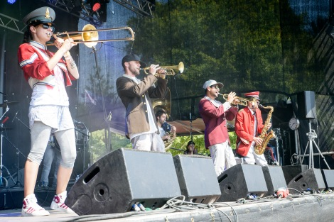 Pullup_Orchestra_Brass_Wiesn_2015-1
